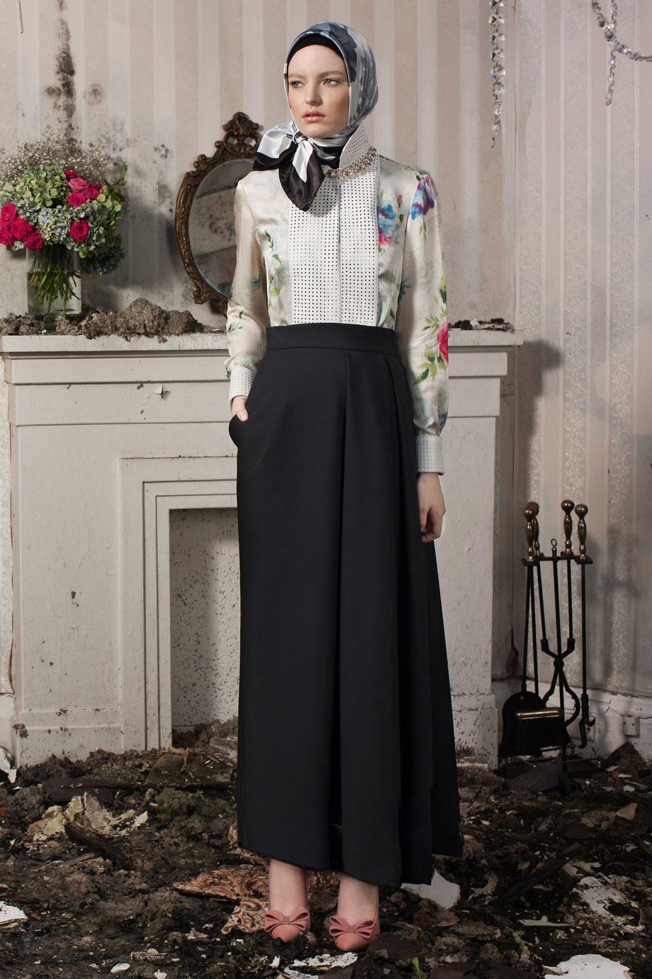 Diana-Kotb-Time-Piece-Skirt-Black-Campaign
