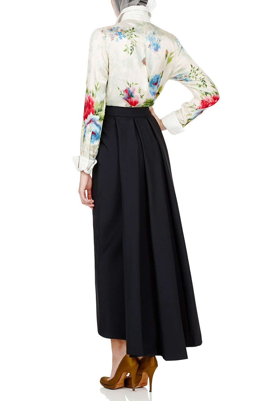 Diana-Kotb-Time-Piece-Skirt-Gamne-Maker-Shirt-02