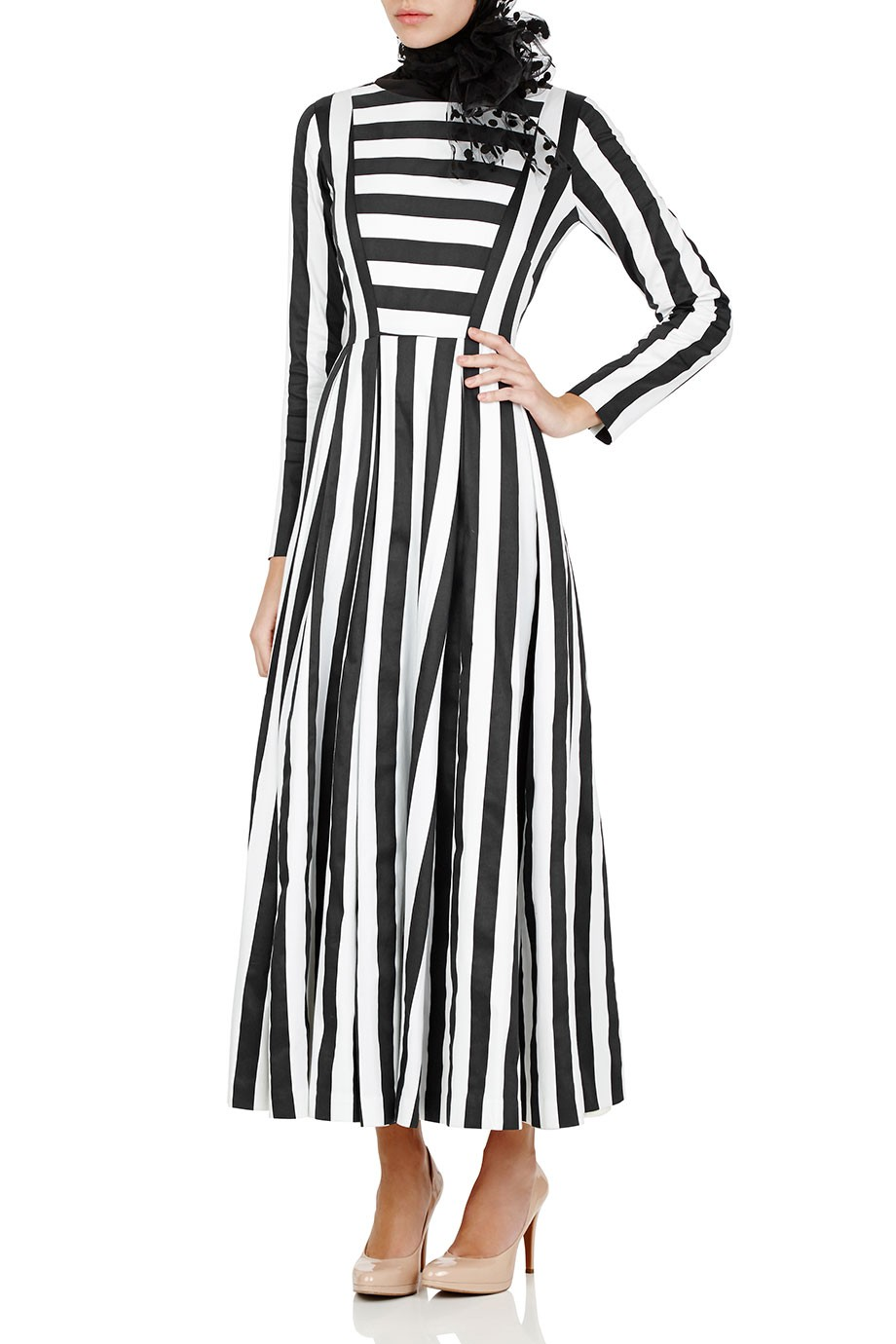 Diana-Kotb-Touring-Dress-Stripe-01